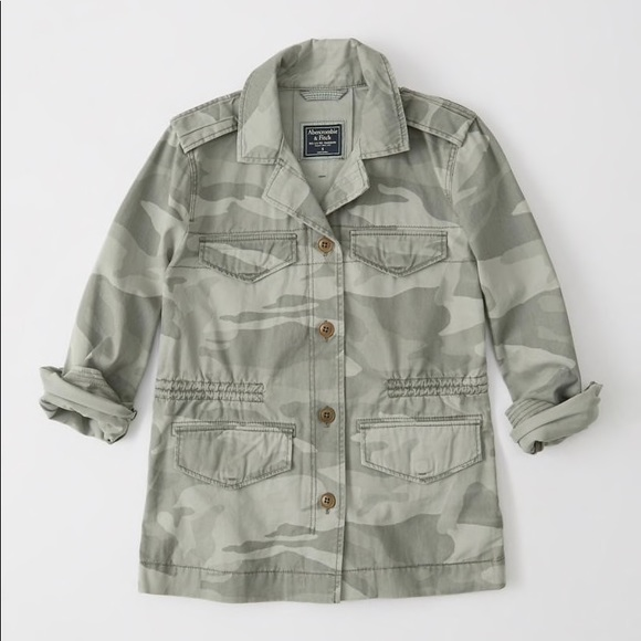 Abercrombie & Fitch Jackets & Blazers - Women's Abercrombie and Fitch Camo jacket